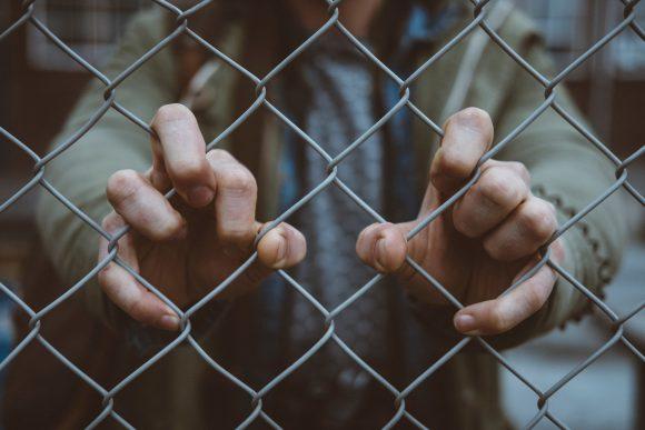 Teoria e prassi della pena detentiva: due esempi.